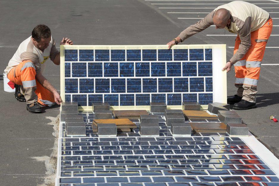 applicazione pannelli solari su strada